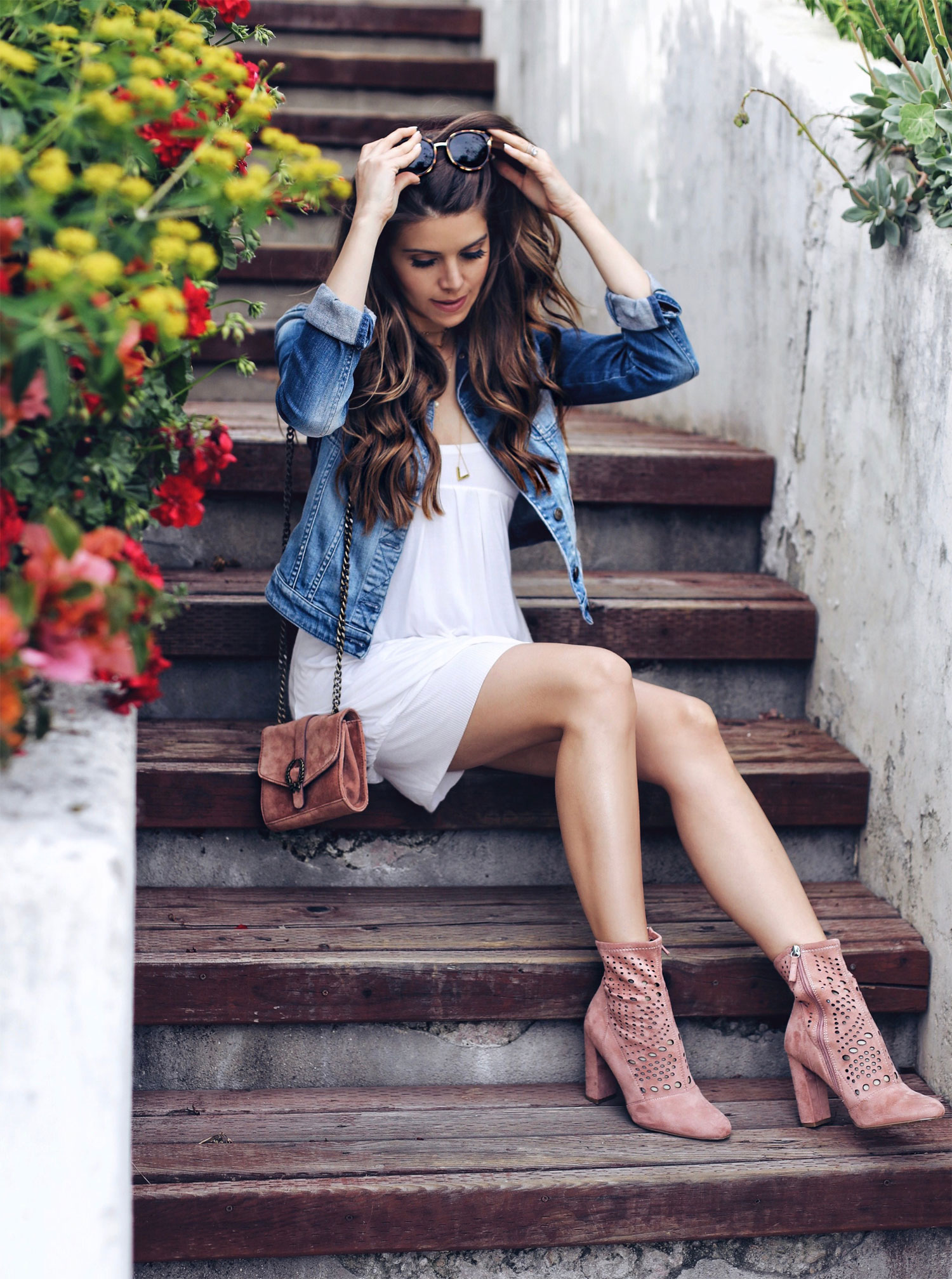 Fashion and lifestyle blogger Adelina Perrin of The Charming Olive using Pantene Pro-V shampoo and conditioner